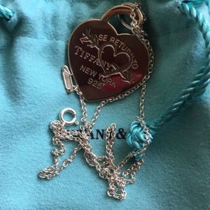 Jewelry - Tiffany and go Etched Heart and Arrow Charm Nklace